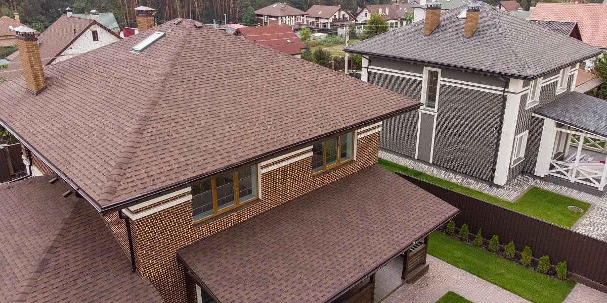Trīsslāņu dakstiņi — īpaši izturīgs, mūsdienīgs, ekskluzīvs un neticami skaists jumta materiāls.